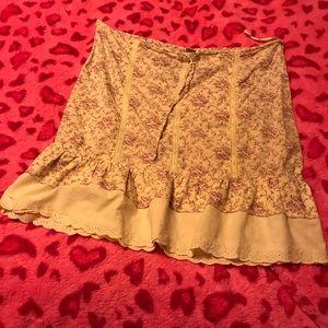 Cute hippie prairie farm style skirt